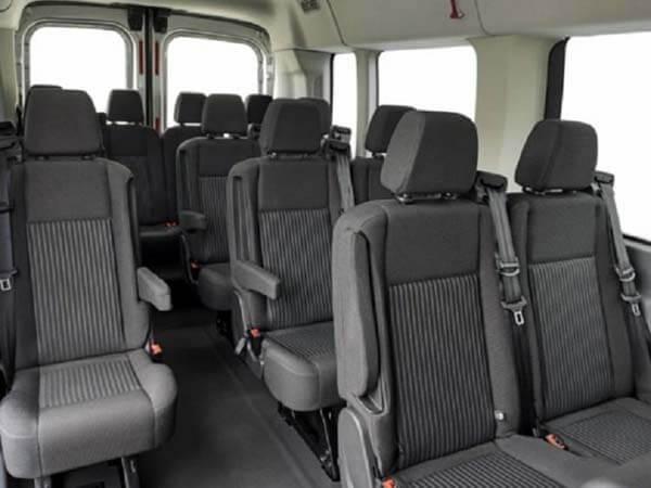 khoang hanh khach xe ford transit 2020 muaxegiatot vn - Chi tiết xe 16 chỗ Ford Transit 2021, khi nào về Việt Nam?