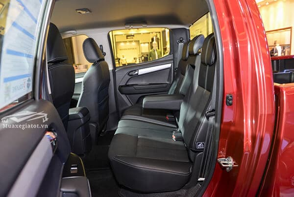 ghe sau xe ban tai isuzu dmax 2020 xetot com 4 - Đánh giá Isuzu D-Max 2022, xe bán tải bán chạy nhất Đông Nam Á